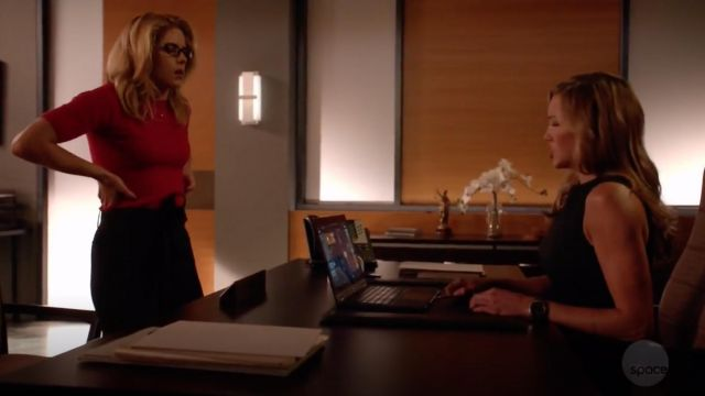 Sweater-pink short-sleeved 3.1 Phillip Lim outfit worn by Felicity Smoak (Emily Bett Rickards) seen in Arrow Season 7 Episode 5 - TV Show Outfits and Products