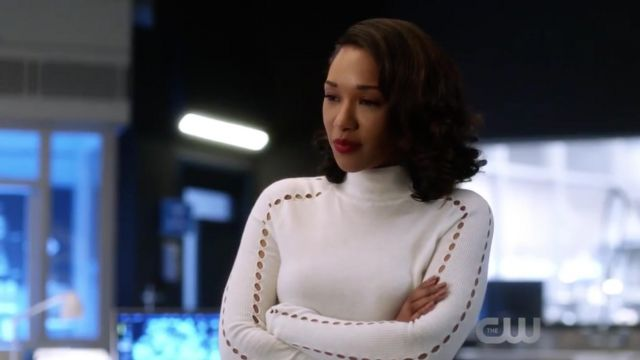 Fashion Trends 2021: Sweater white turtleneck from Iris West (Candice Patton) seen in The Flash Season 4E14