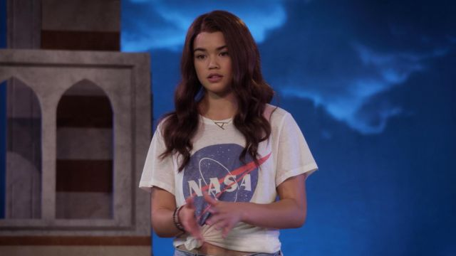 T-hirt NASA to Alexa Mendoza (Paris Berelc) seen in Alexa & Katie Season 1 Episode 7 - TV Show Outfits and Products