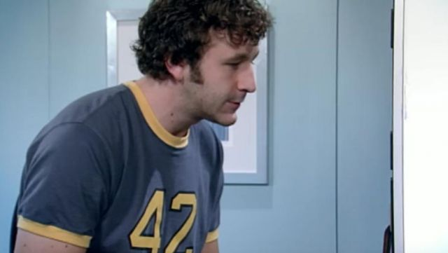 Fashion Trends 2021: T-shirt 42 Roy (Chris O'dowd) seen in The IT Crowd Season 1 Episode 6