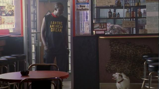 """T-shirt """"I am the american dream"""" outfit worn by Omar Little (Michael Kenneth Williams) seen in The Wire Season 2E10 - TV Show Outfits and Products"""