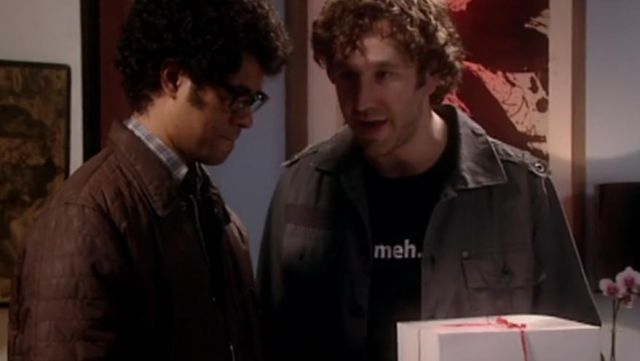 Fashion Trends 2021: T-shirt Meh to Roy (Chris O'dowd) seen in The IT Crowd Season 2 Episode 3