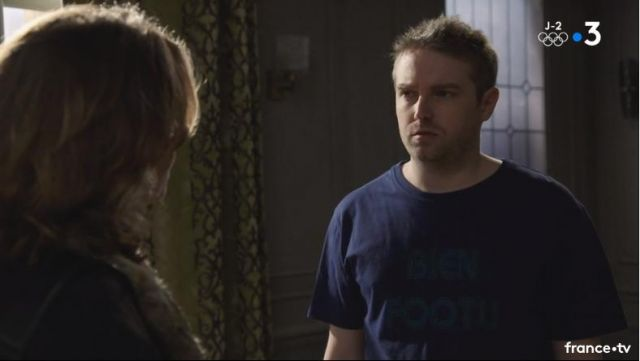 Fashion Trends 2021: T-shirt Well footu Nathan Leserman (Thibaud Vaneck) seen in a More beautiful life S14E3468