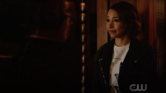 T-shirt butterfly Urban Outfitters outfit worn by Nora West-Allen (Jessica Parker Kennedy) seen in The Flash Season 5 Episode 5