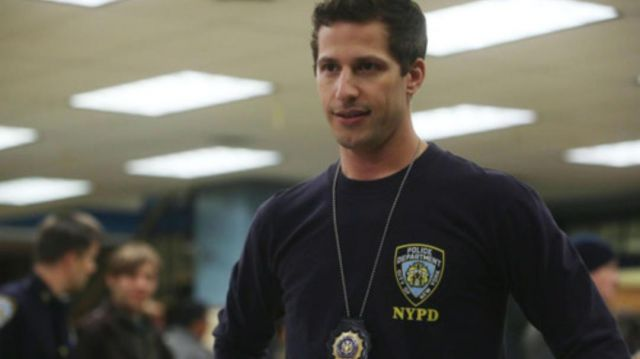 T-shirt long sleeve NYPD Jake Péralta (Andy Samberg) on Brooklyn Nine-Nine Season 6 Episode 3 - TV Show Outfits and Products