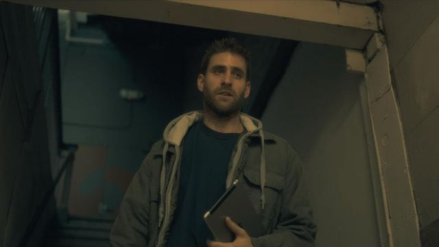 T-shirt of Luke Crain (Oliver Jackson-Cohen) seen in The Haunting of Hill House (Season 1 Episode 1) - TV Show Outfits and Products