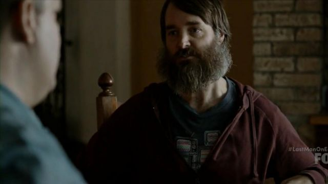 Fashion Trends 2021: T-shirt tvs Phil Miller (Will Forte) seen in Last Man On Earth Season 4E10