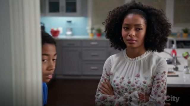 Ted Baker Luceal Thistle Print Sheer Top outfit worn by Zoey Johnson (Yara Shahidi) in black-ish (Season 03 Episode 14) - TV Show Outfits and Products