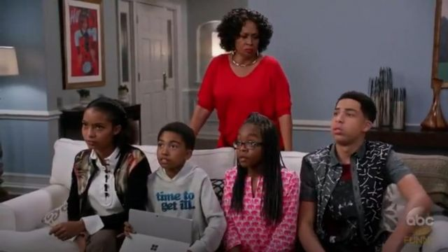Ted Baker Paulia Technicolour Bloom Cardigan outfit worn by Zoey Johnson (Yara Shahidi) in black-ish (Season 03 Episode 11) - TV Show Outfits and Products