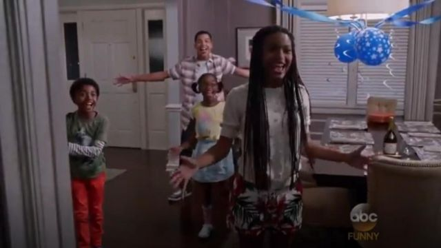 Ted Baker Quellia Tropical Toucan Print Shorts outfit worn by Zoey Johnson (Yara Shahidi) in black-ish (S02E04) - TV Show Outfits and Products
