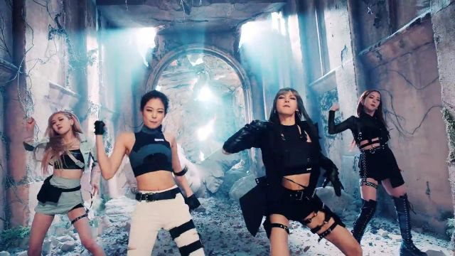The Crop top grey sleeveless Jennie Kim in the clip Kill-This Love of Blackpink - Youtube Outfits and Products