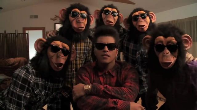 The Ray Ban Bruno Mars video clip The Lazy Song - Youtube Outfits and Products
