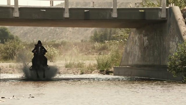 The Santa Clara River in California in the clip Wake Me Up of Avicii - Youtube Outfits and Products