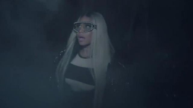 The Sunglasses are adorned with fancy beads Gucci of Nicki Minaj in the clip, The light is coming - Youtube Outfits and Products