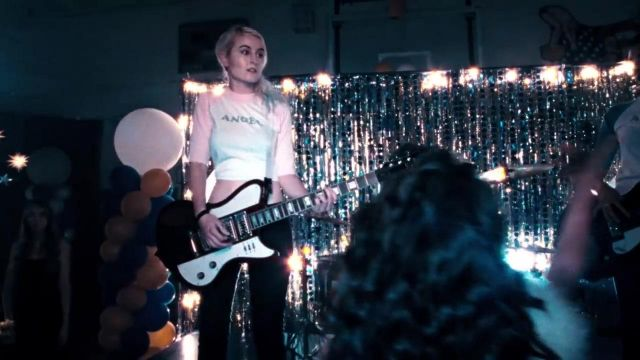 The bass in the clip Break the rules Charli XCX - Youtube Outfits and Products