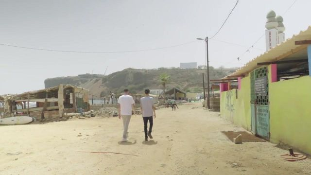 The beach Ouakam, and the Mosque of Divinity in Dakar, Senegal, in the clip Then of Bigflo & Oli - Youtube Outfits and Products