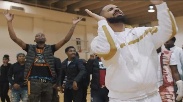 The belt of Gucci BlocBoy JB in the video clip Look Alive with Drake - Youtube Outfits and Products