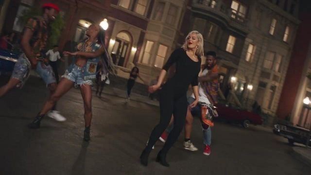 The black boots of Bebe Rexha in the clip The way - Youtube Outfits and Products