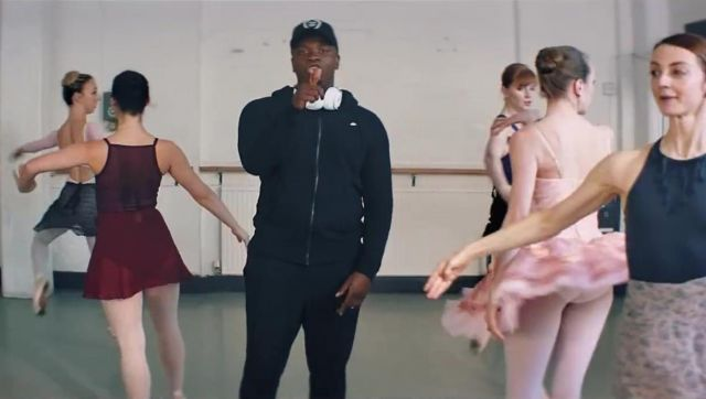 The black jacket Nike in the clip the Man don t dance Big Shaq - Youtube Outfits and Products