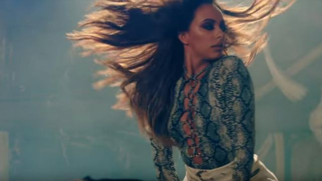 The body snake print Jade Thirlwall in the clip No more sad songs of Little mix - Youtube Outfits and Products