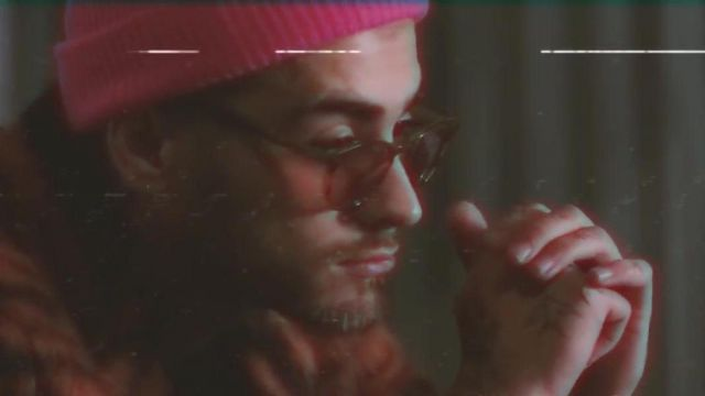 The bonnet style fisherman pink of Zayn Malik in the clip Beyoncé & ZAYN - Me, myself and I (Remix) - Youtube Outfits and Products