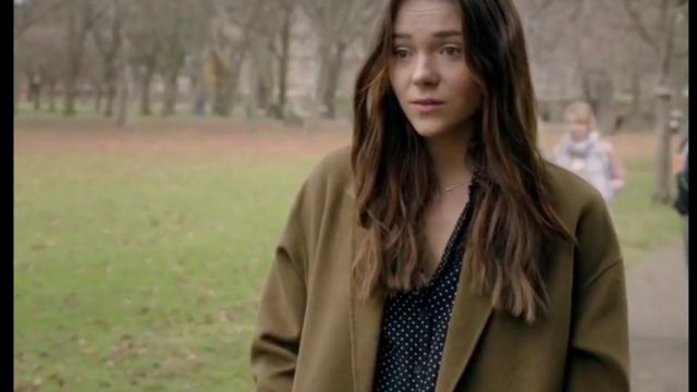 Fashion Trends 2021: The camel coat outfit worn by Holly Mcstay (Synnove Karlsen) seen in Clique S01E06