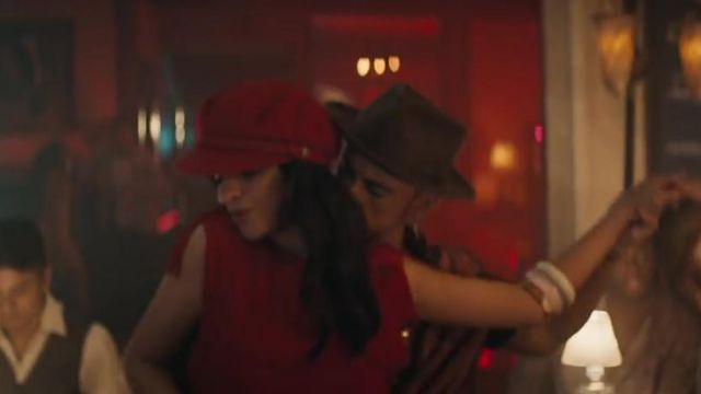 The cap Brighton red Camila Cabello in Havana - Youtube Outfits and Products