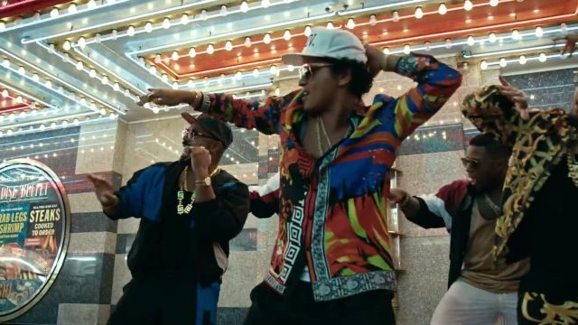 The cap XXIVK of Bruno Mars in the clip, 24K Magic - Youtube Outfits and Products