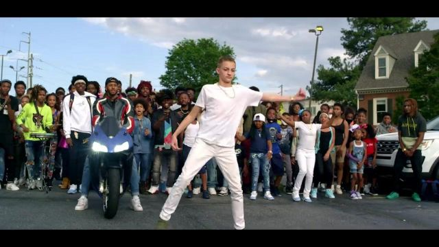 The converse of the rising purple in the clip Rolex Ayo & Teo - Youtube Outfits and Products