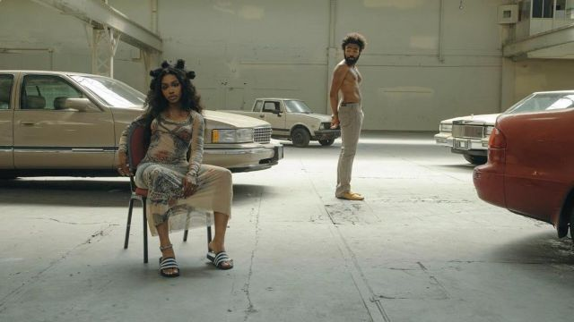 """The dress long sleeves printed Sza in the clip, """"This is america"""" by Childish Gambino - Youtube Outfits and Products"""
