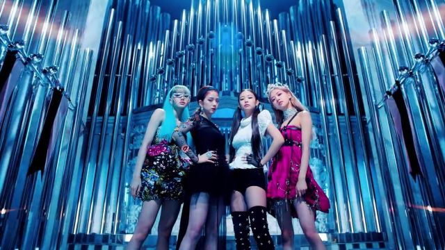 The dress with sequins and multi-coloured Lisa in the clip Kill-This Love of Blackpink - Youtube Outfits and Products