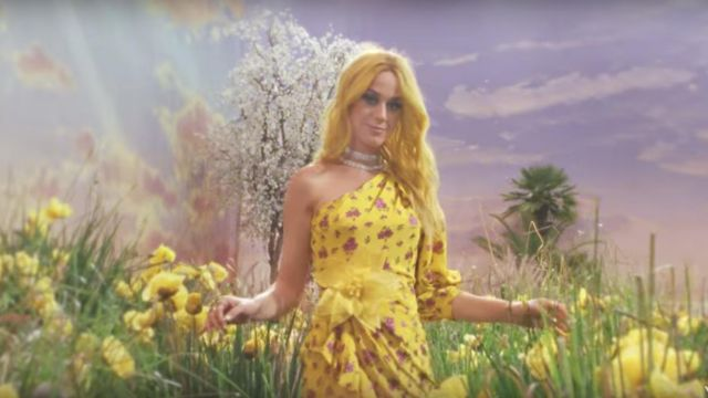 The dress with yellow flowers in Gucci Katy Perry in the clip, Feels Calvin Harris - Youtube Outfits and Products
