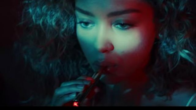 The electronic cigarette KandyPens in the clip Run me dry of Bryson Tiller - Youtube Outfits and Products