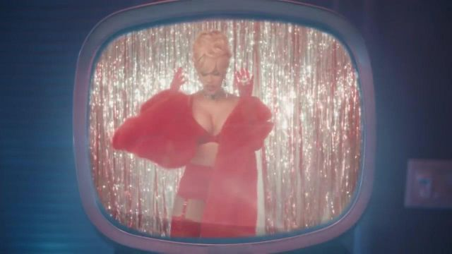 The garter belt red Agent Provocateur Cardi B in the clip Bartier Cardi - Youtube Outfits and Products