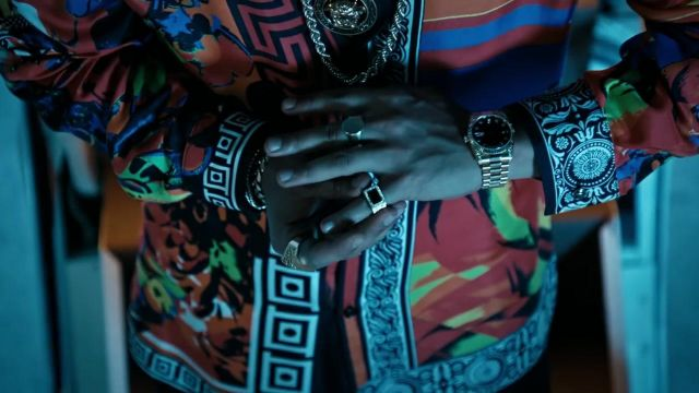The gold ring Versace Bruno Mars in his clip, 24K Magic - Youtube Outfits and Products