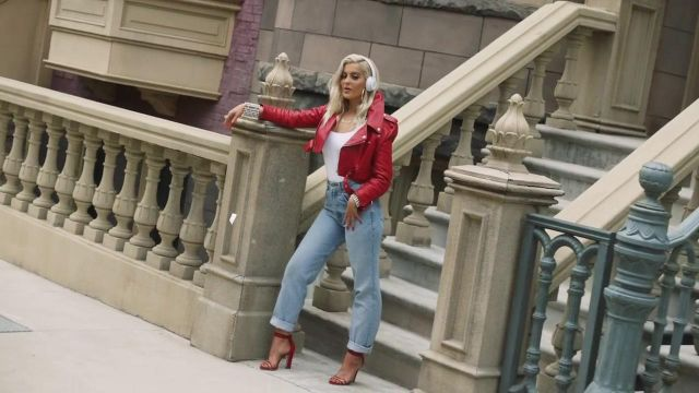 The heeled sandals red Bebe Rexha in the clip The way - Youtube Outfits and Products