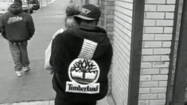 Fashion Trends 2021: The hooded jacket with large logo Timberland outfit worn by Tupac / 2 Pac in his empty clip Brenda's Got A Baby