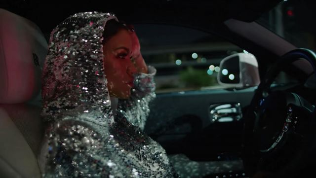 The hoodie with sequins of Cassie in her video clip Love a Loser featuring G-Eazy - Youtube Outfits and Products