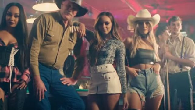 The jean shorts of Perrie Edwards in No more sad songs of Little mix - Youtube Outfits and Products