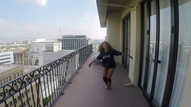 The knee pads Nike from Beyoncé in the clip 7/11 - Youtube Outfits and Products