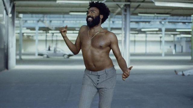 The pants of Donald Glover in his clip This Is America of Childish Gambino - Youtube Outfits and Products
