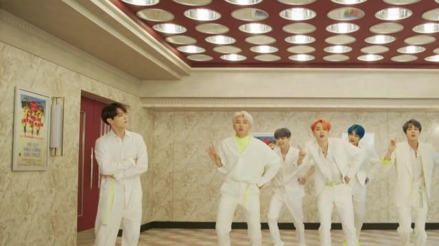The poster of the movie Singing in the rain in the clip Boy With Luv BTS feat. Halsey - Youtube Outfits and Products