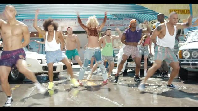 The puma Britney Spears in the clip Pretty Girls - Youtube Outfits and Products