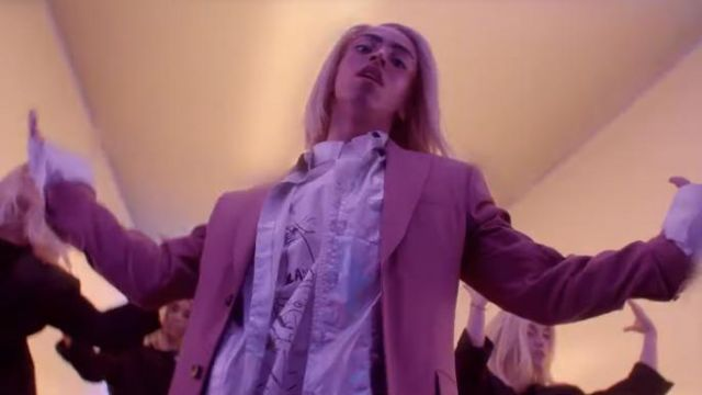 The shirt Helmut Lang scope by Bilal Hassani in his clip Do Beleck - Youtube Outfits and Products