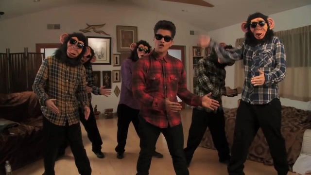 The shirt of Bruno Mars video clip The Lazy Song - Youtube Outfits and Products