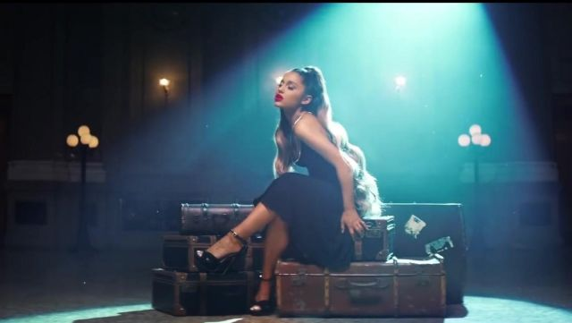 The shoes Jimmy Choo of Ariana Grande in the clip breathin - Youtube Outfits and Products