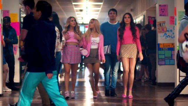 The shoes Jimmy Choo of Ariana Grande in the video thank u, next, - Youtube Outfits and Products