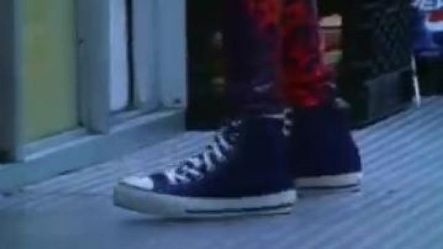 The sneakers Converse All Star in the clip Paper planes de M. I. A - Youtube Outfits and Products