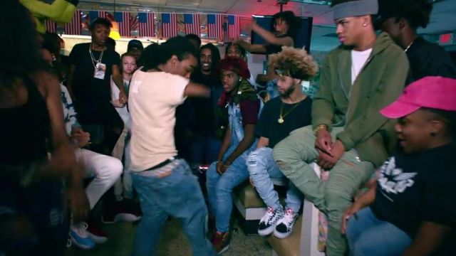The sneakers Vans Old Skool checkerboard in the clip, the Rolex Ayo & Teo - Youtube Outfits and Products