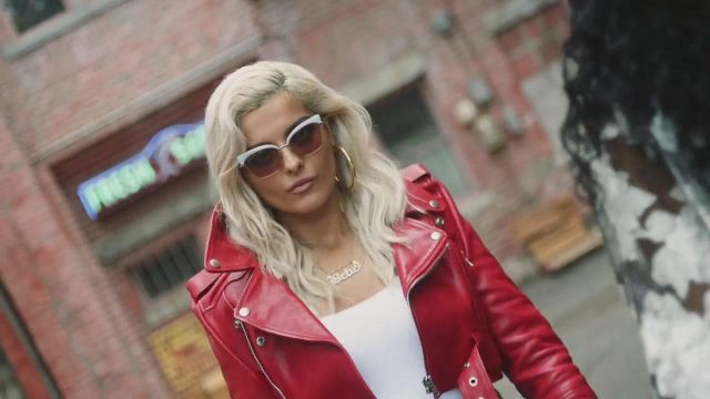 The sunglasses of Bebe Rexha in the clip The way - Youtube Outfits and Products